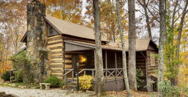 220 year old hand hewn log cabin in columbus north carolina for Hand hewn log cabin