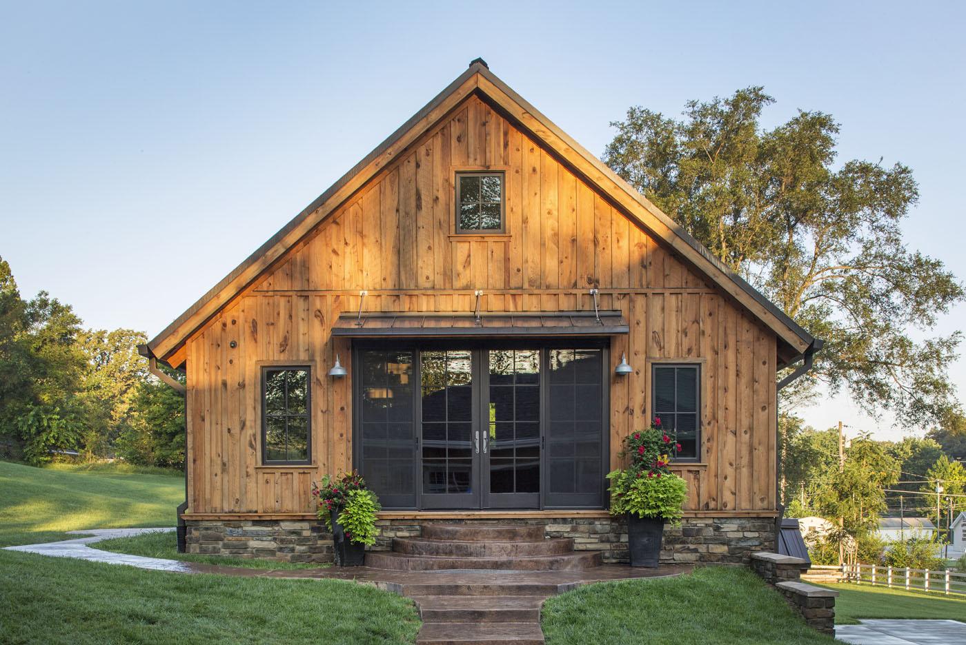 Simple Yet Stunning Wood Log Home