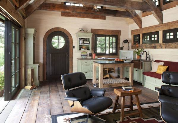 an utterly charming cottage that makes you feel like living inside a cave - Living In A Small Cottage